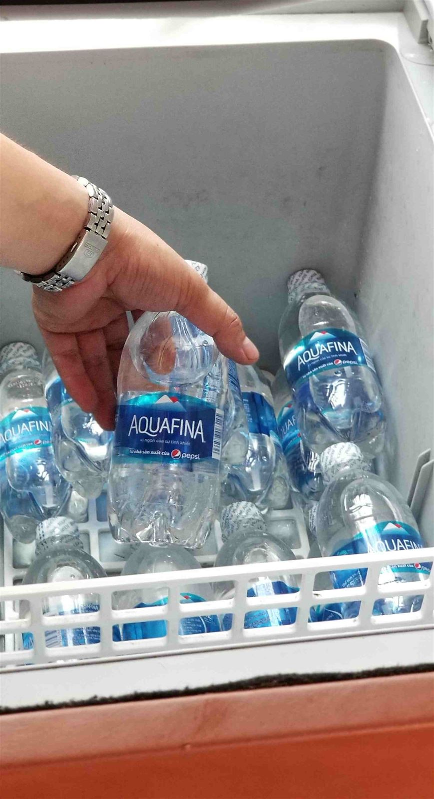 contribute-water-for-pasengers