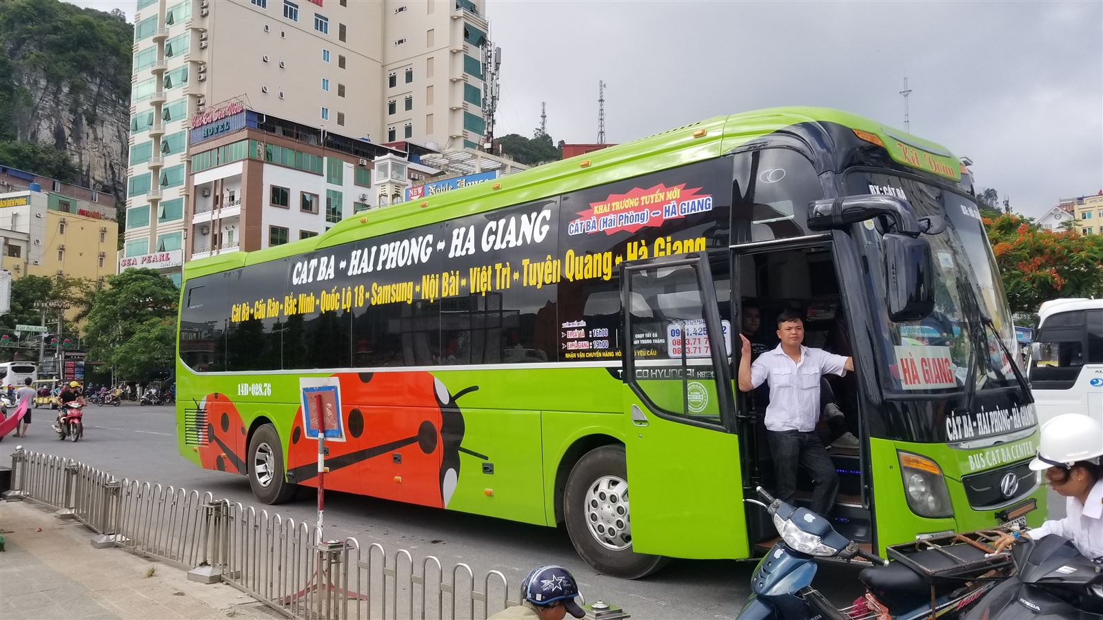 Xe bus du lịch từ Cát Bà đi Hà Giang