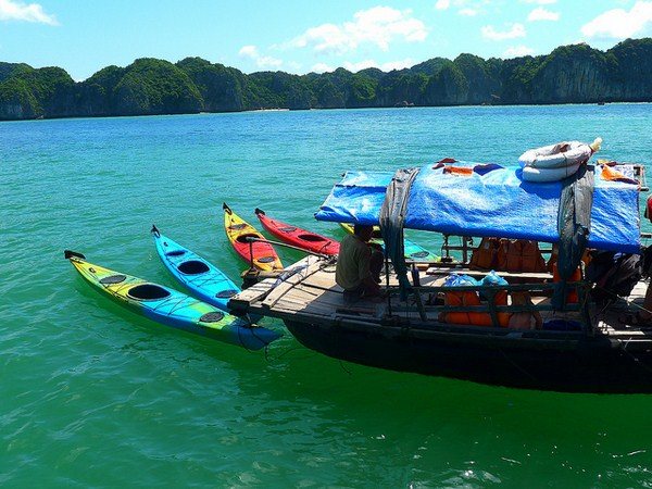 Experiencing a Cat Ba island 2 days 1-night tour